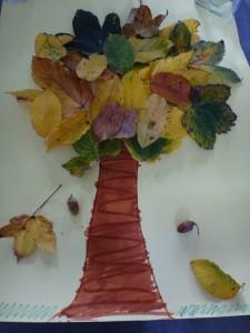 activité manuelle d'automne feuille