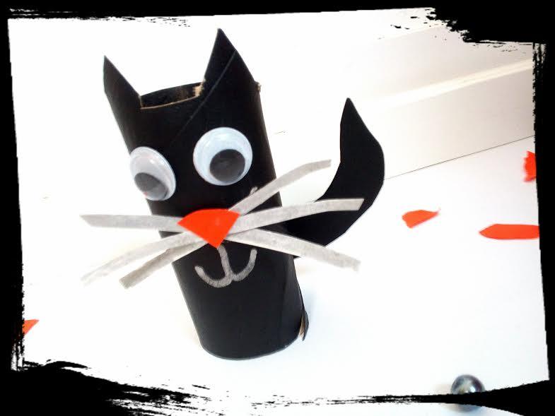 activité manuelle chat carton