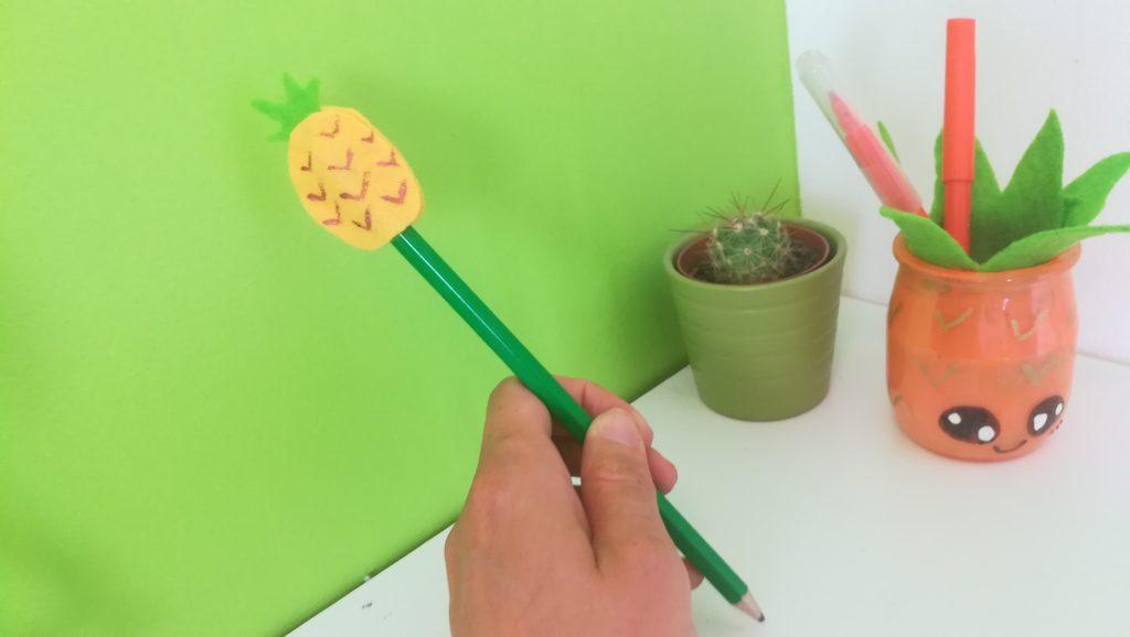 décoration pour stylo ananas