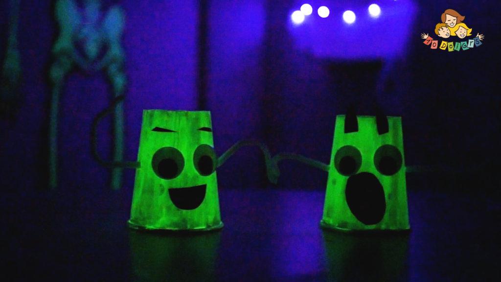 3 activités manuelles d'halloween avec 10 doigts : fantôme