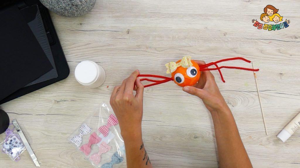 3 activités manuelles d'halloween avec 10 doigts : araignée