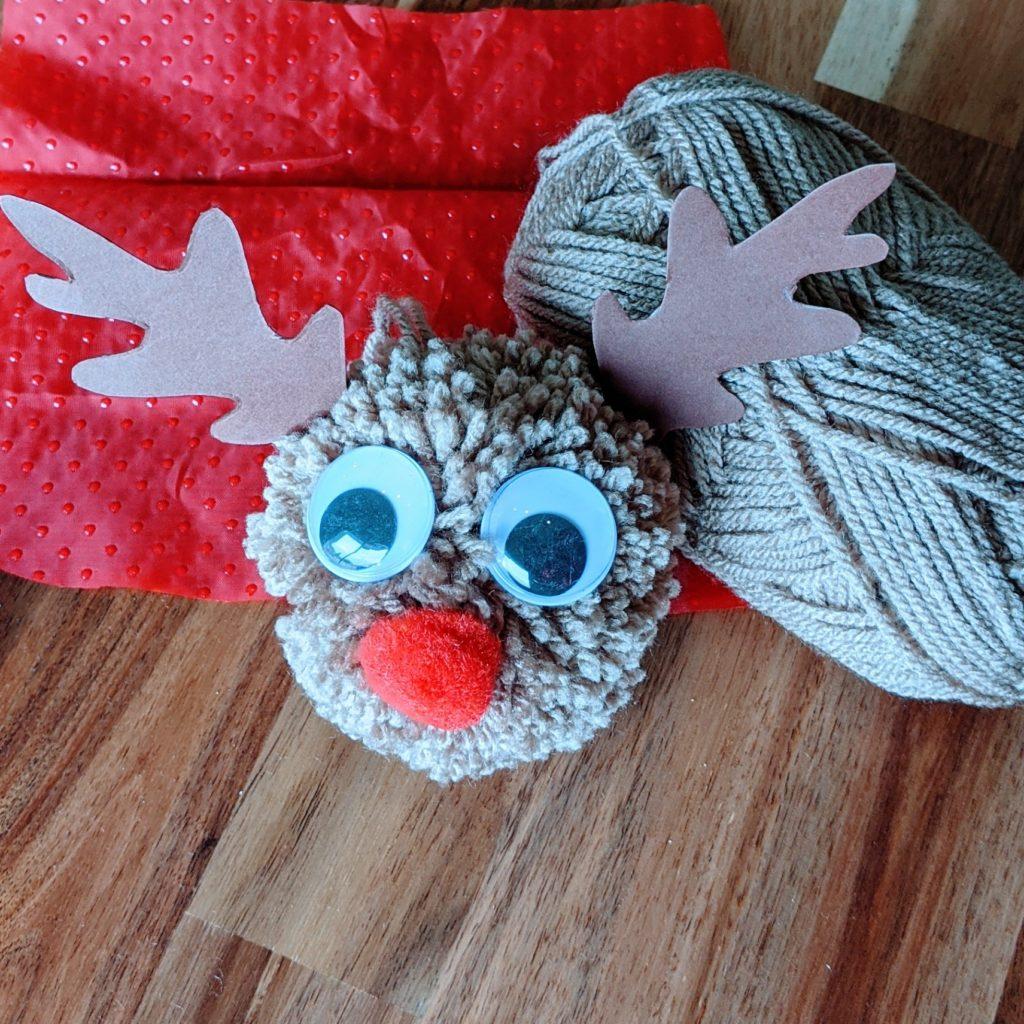 DIY Noël décoration de sapin : le renne pompon