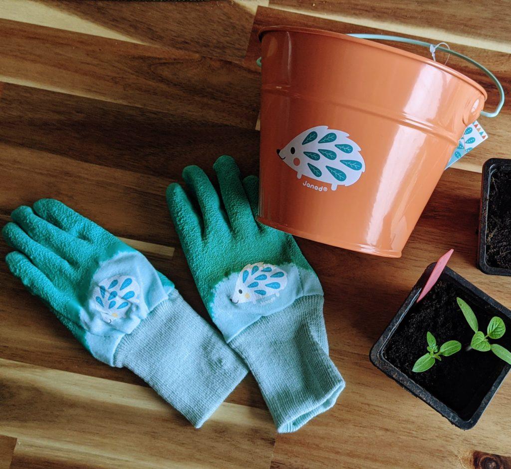 gants jardinage enfant et seau jardinage enfant