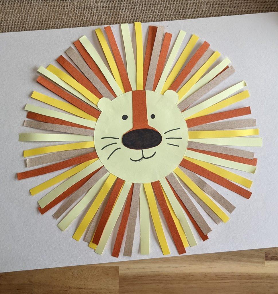 activité manuelle lion en papier collage découpage